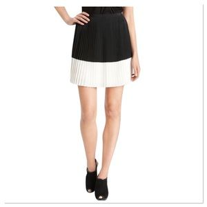 Vince Camuto Black & White Pleated Skirt Crystal 8